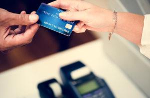 オバマ大統領、レストランでクレジットカード利用を拒まれる