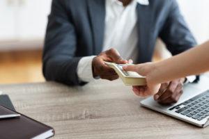 消費者金融利用者の属性や借りた理由などをデータ化してみた