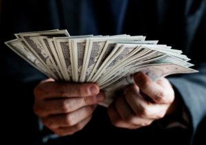ヤミ金からお金を借りてしまったらどうしたら良いか?